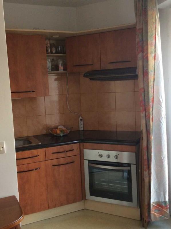 Rental apartment Paris 18ème 1180€ CC - Picture 3