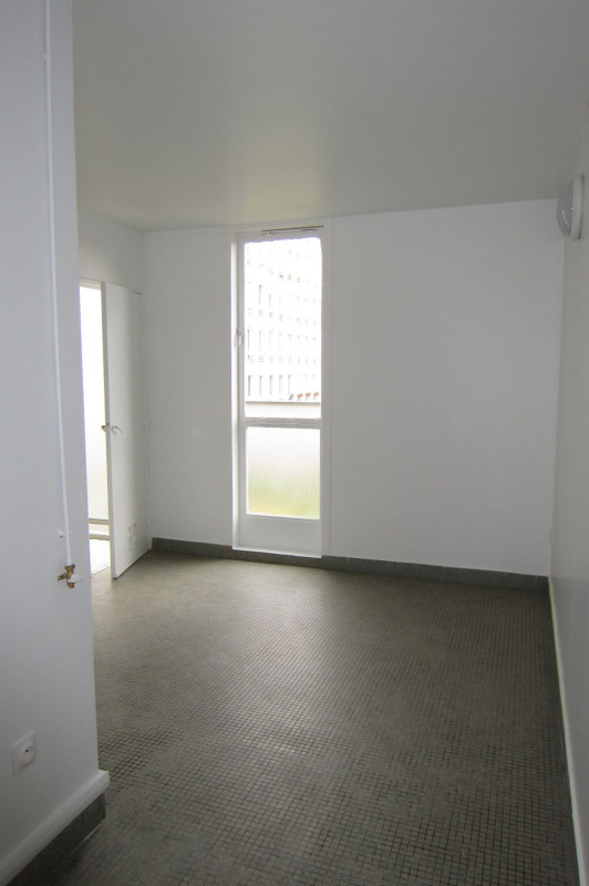 Location appartement Paris 11ème 1 949€ CC - Photo 10
