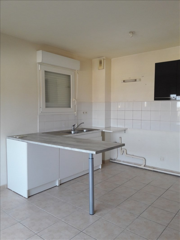 Rental apartment Marsillargues 560€ CC - Picture 1