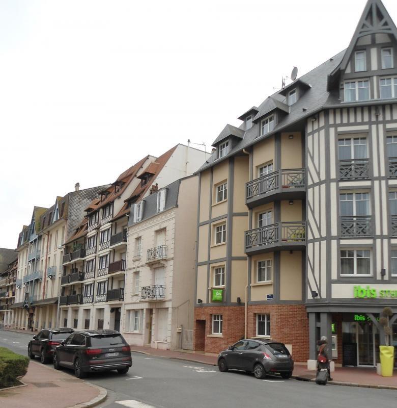 Revenda residencial de prestígio apartamento Deauville 147500€ - Fotografia 7