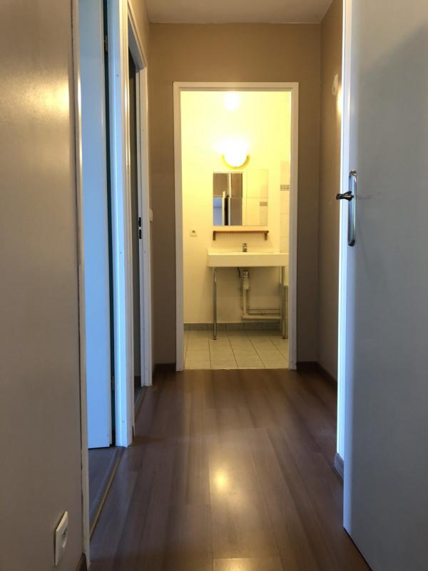 Rental apartment Éragny 875€ CC - Picture 2