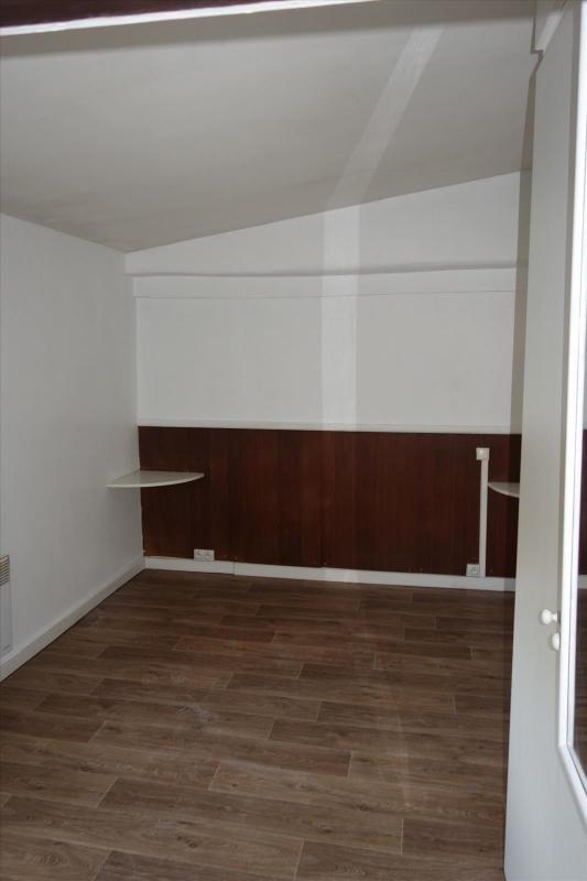 Locação apartamento Réalmont 350€ CC - Fotografia 5