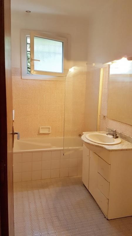 Location maison / villa Salon de provence 1 300€ CC - Photo 6