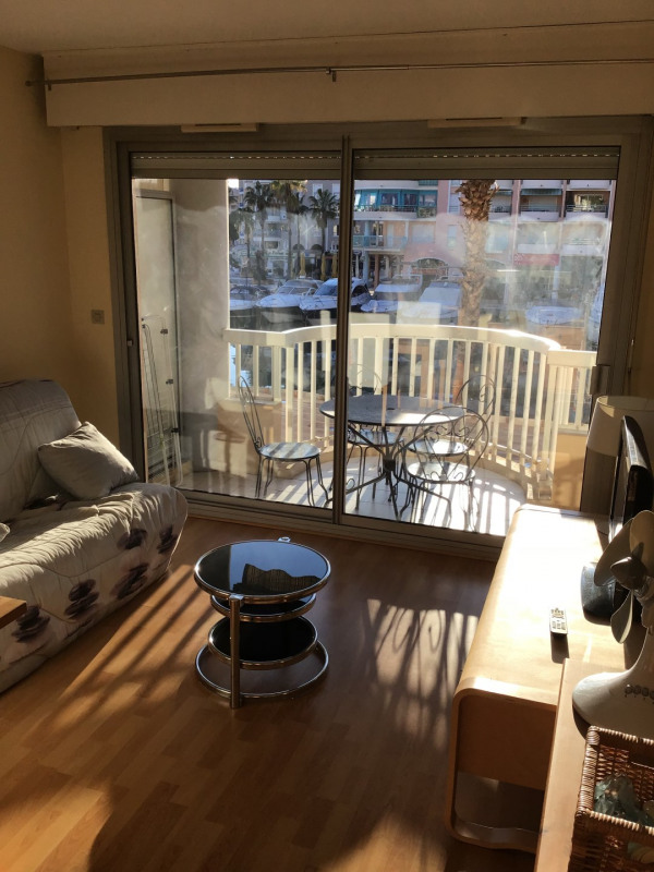 Location appartement Fréjus 800€ CC - Photo 3