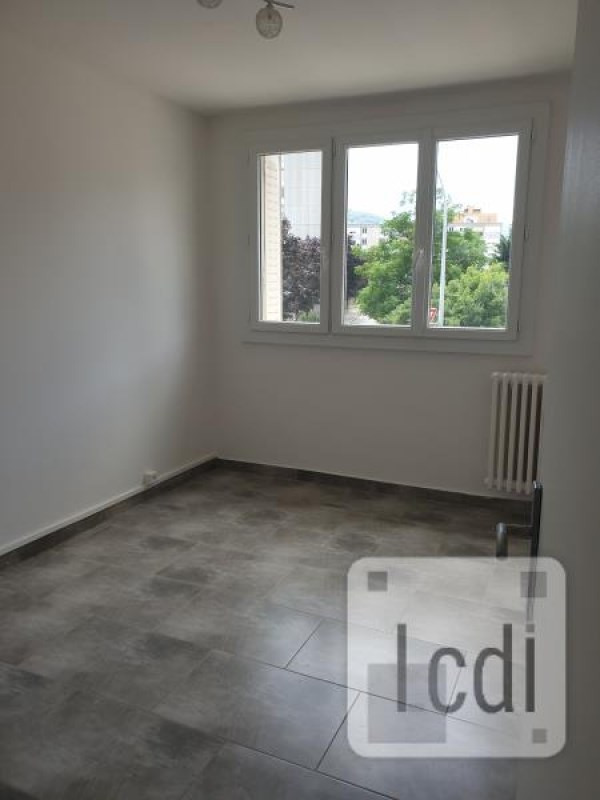 Vente appartement Privas 80 000€ - Photo 3