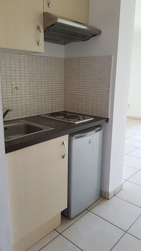 Location appartement St denis 390€ CC - Photo 2