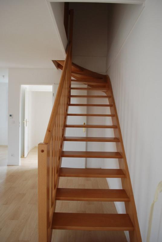 Rental apartment Villiers sur orge 910€ CC - Picture 2