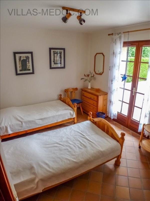 Sale house / villa Grayan et l hopital 380000€ - Picture 9