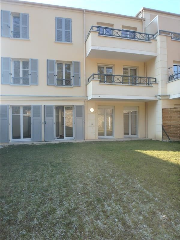 Rental apartment Buc 2 124€ CC - Picture 2