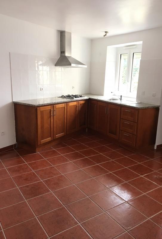 Location appartement Bonnelles 630€ CC - Photo 2