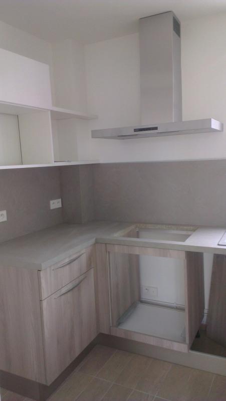 Rental apartment Paris 17ème 1850€ CC - Picture 3