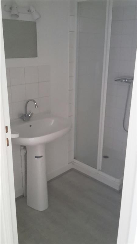 Location appartement Roanne 330€ CC - Photo 2