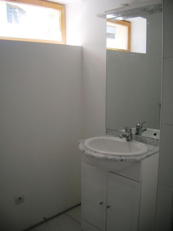Rental apartment Pont de l arche 450€ CC - Picture 6