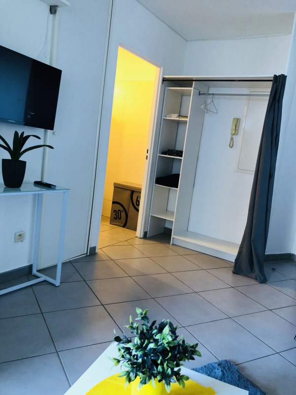 Location appartement Ste clotilde 570€ CC - Photo 4