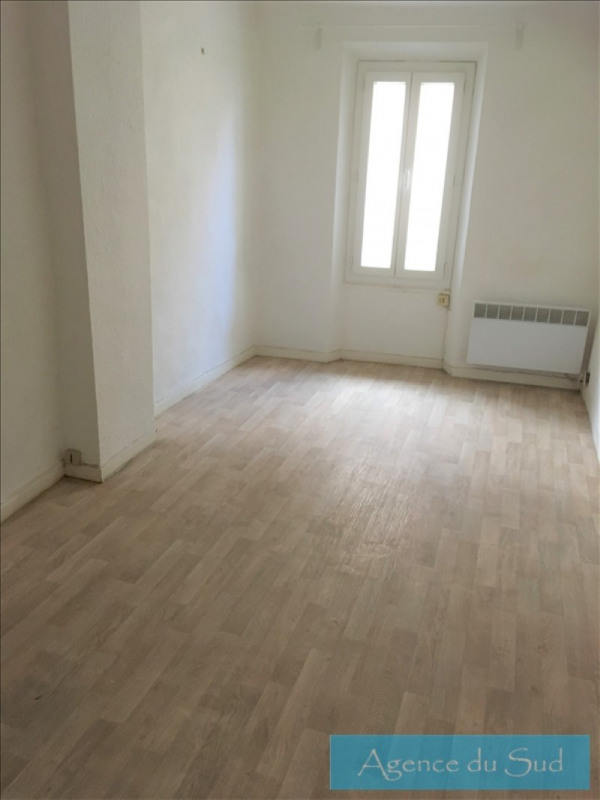 Location appartement Aubagne 610€ CC - Photo 3