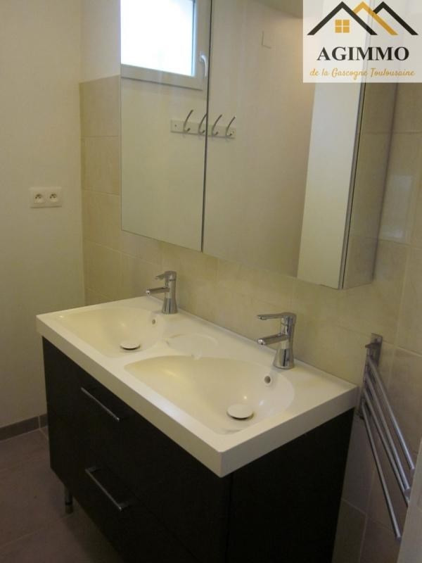 Rental apartment L isle jourdain 750€ CC - Picture 4