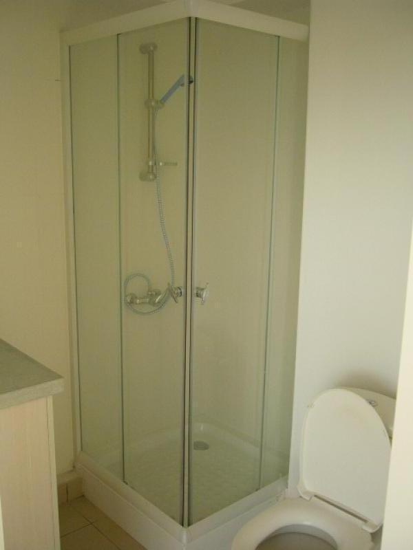 Rental apartment St denis 326€ CC - Picture 4