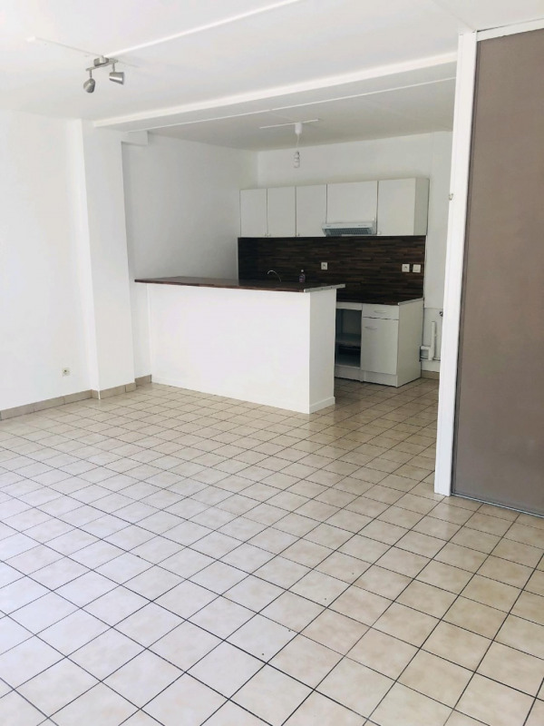 Sale apartment Chambly 97200€ - Picture 2