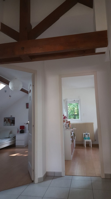 Location maison / villa Champagne au mont d'or 1 820€ CC - Photo 8