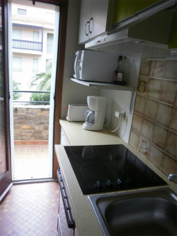 Location vacances appartement Collioure 325€ - Photo 6