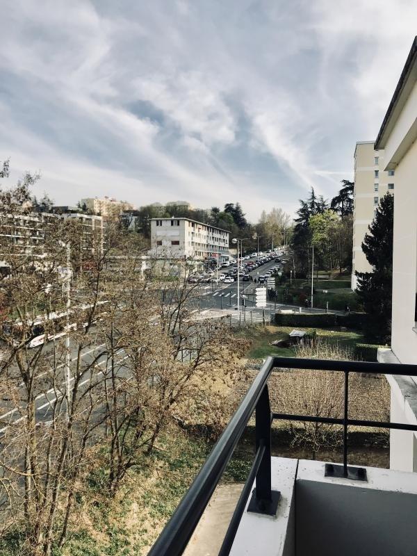 Sale apartment Tassin la demi lune 241100€ - Picture 8