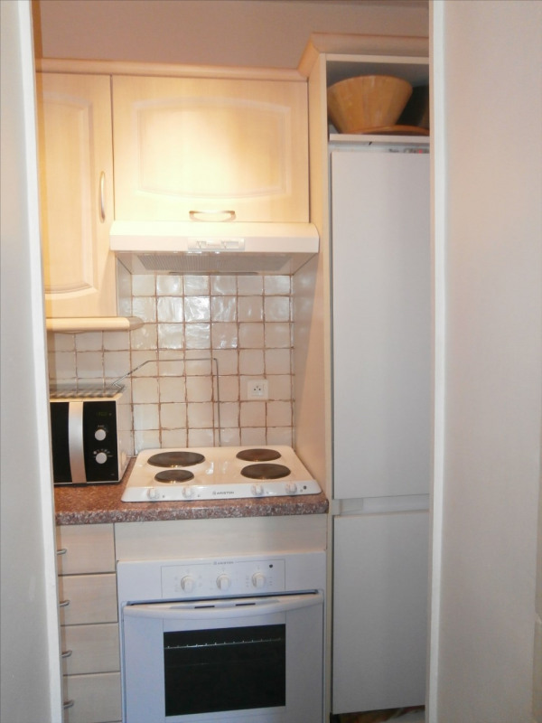 Rental apartment Fontainebleau 1 050€ CC - Picture 6
