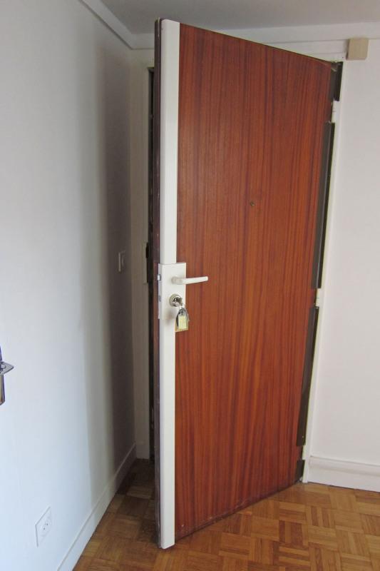 Location appartement Paris 10ème 990€ CC - Photo 16