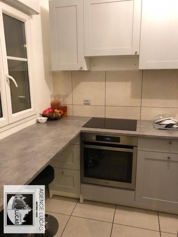 Rental apartment Verrieres le buisson 890€ CC - Picture 2