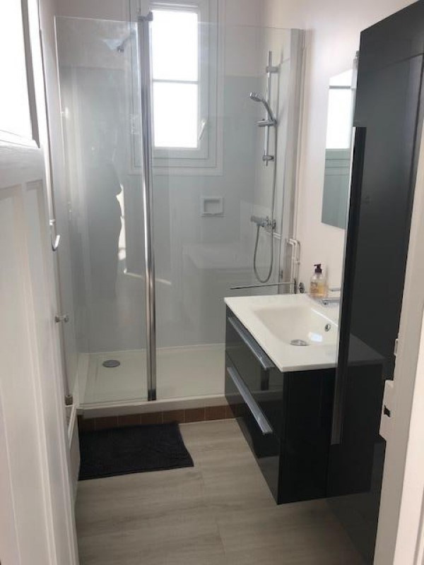 Location appartement Verrieres le buisson 850€ CC - Photo 2