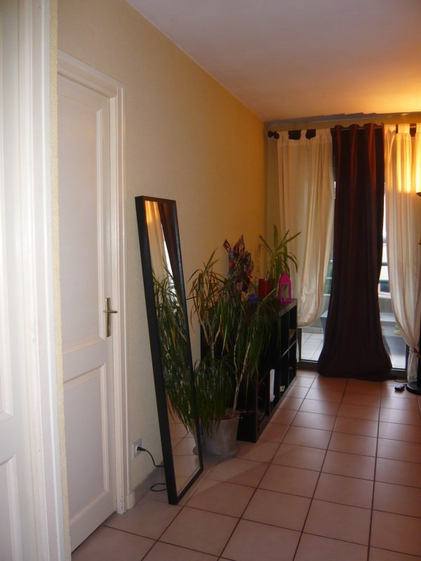 Location appartement Oullins 559€ CC - Photo 3