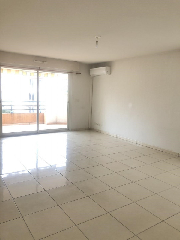 Rental apartment Fréjus 1 190€ CC - Picture 2