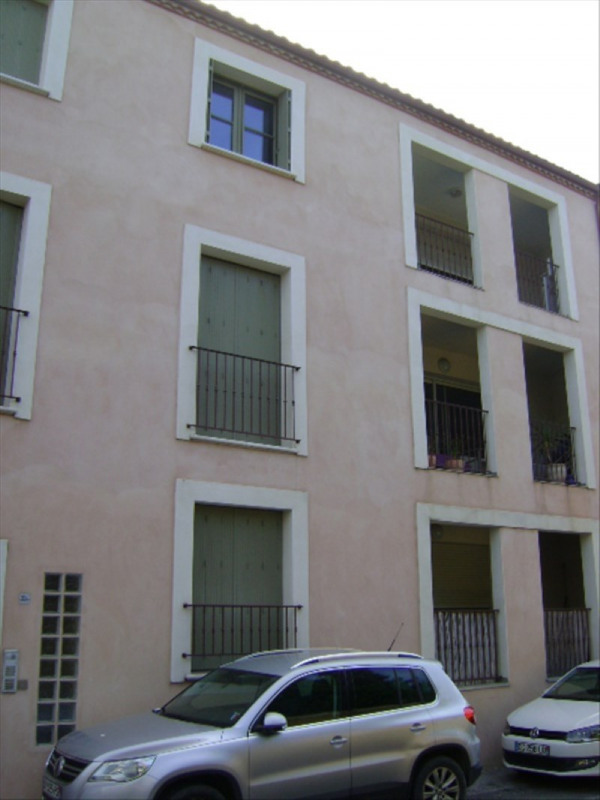 Rental apartment Poussan 756€ CC - Picture 1