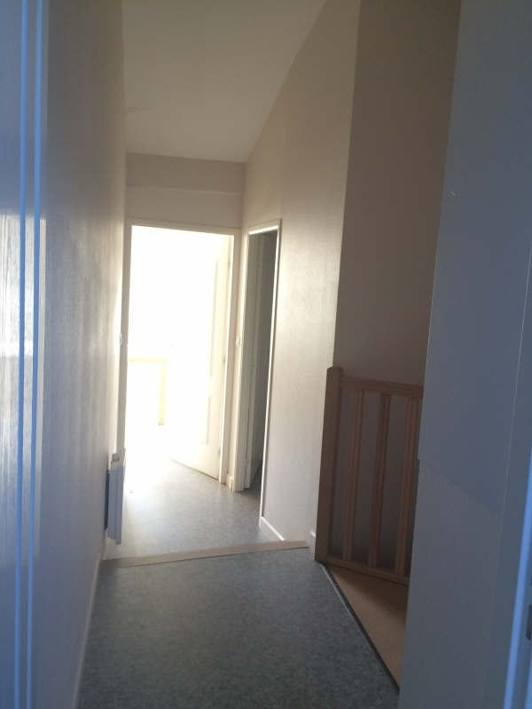 Rental apartment Poitiers 336€ CC - Picture 2