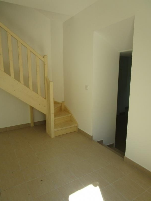 Location maison / villa Nimes 850€ CC - Photo 6