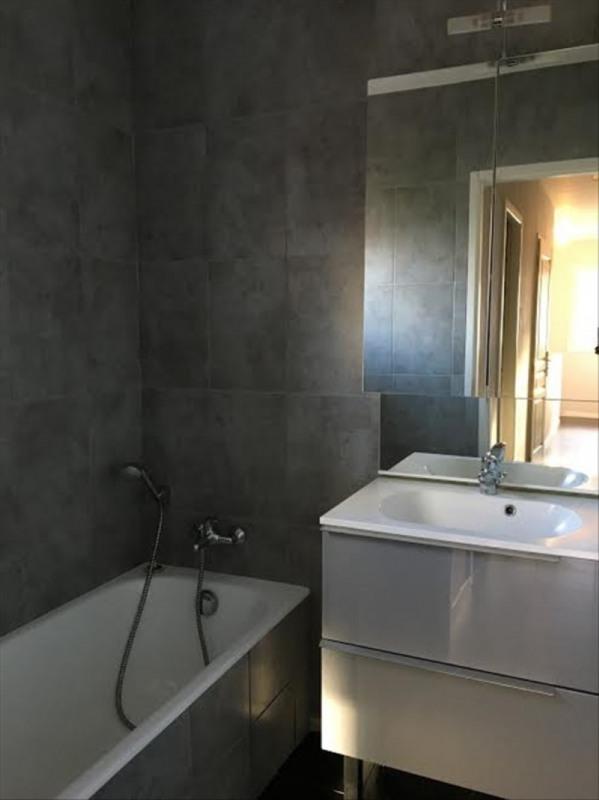 Location maison / villa Aix en provence 2377€ CC - Photo 10