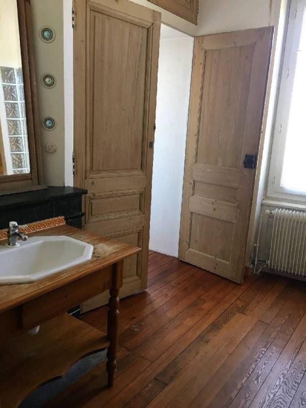 Rental house / villa Vourles 1200€ CC - Picture 2