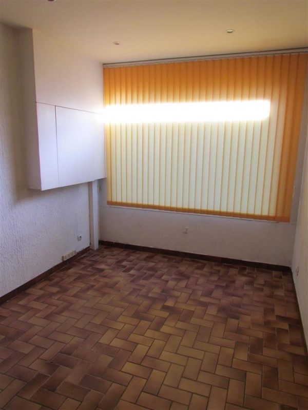 Location local commercial Champigny sur marne 800€ CC - Photo 4