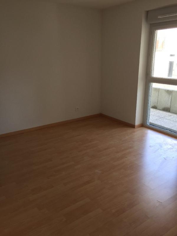 Rental apartment Bron 720€ CC - Picture 4