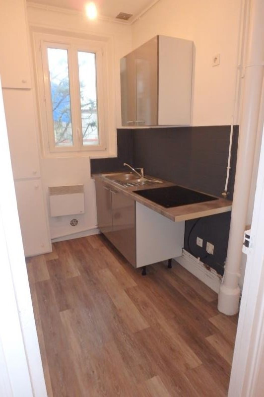 Rental apartment Viroflay 791€ CC - Picture 1