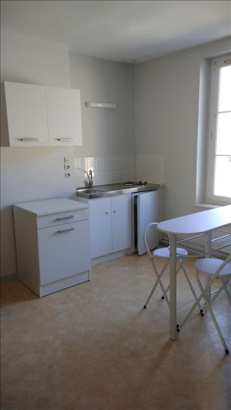 Rental apartment Meslay 250€ CC - Picture 3