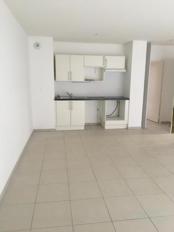 Rental apartment Oullins 715€ CC - Picture 2