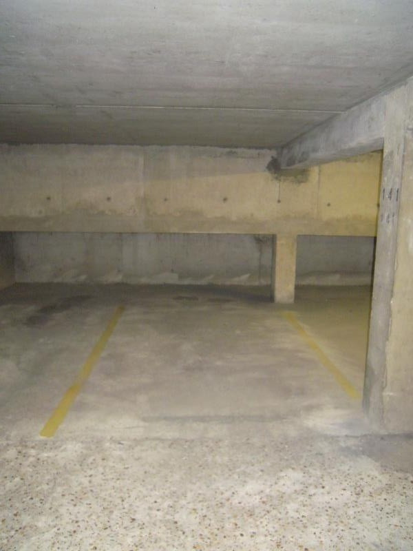 Rental parking spaces Viroflay 82€ CC - Picture 2