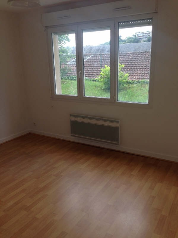 Rental apartment Poitiers 360€ CC - Picture 4