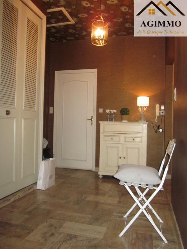 Sale house / villa L isle jourdain 294000€ - Picture 5