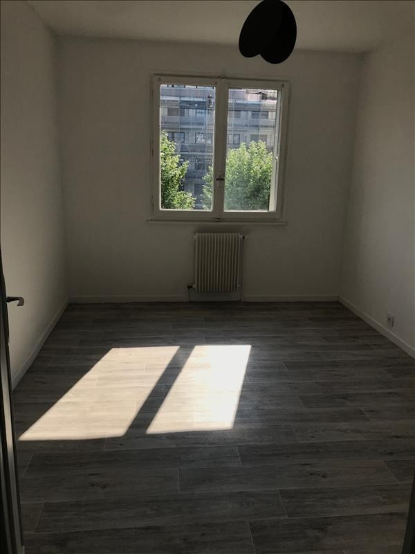 Location appartement Annecy 970€ CC - Photo 4