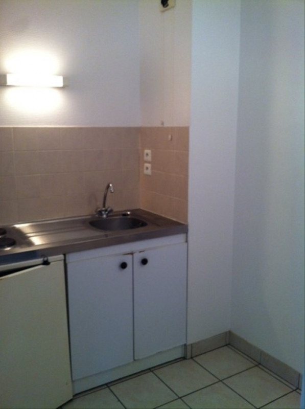 Rental apartment Onet le chateau 478€ CC - Picture 2