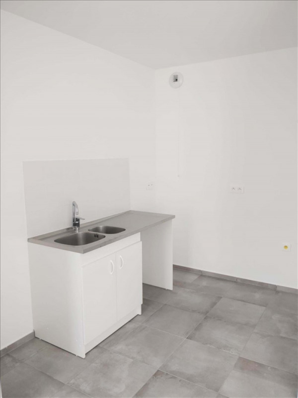 Rental apartment La plaine st denis 1230€ CC - Picture 3