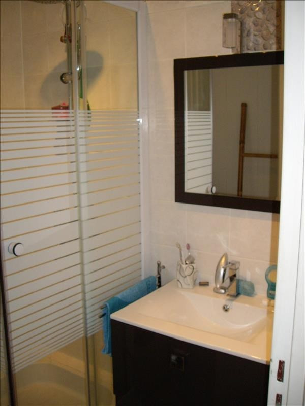 Rental apartment Riorges 550€ CC - Picture 5