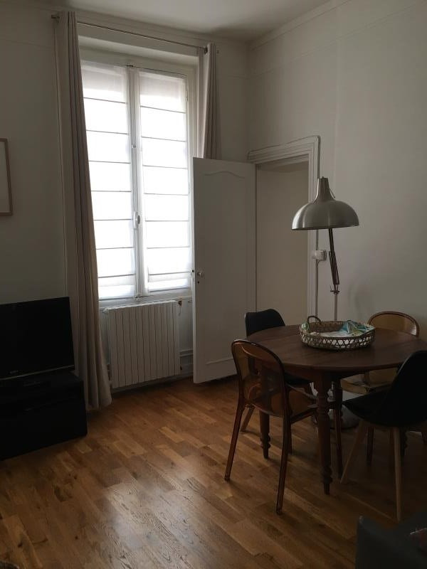 Sale apartment Versailles 450 000€ - Picture 2