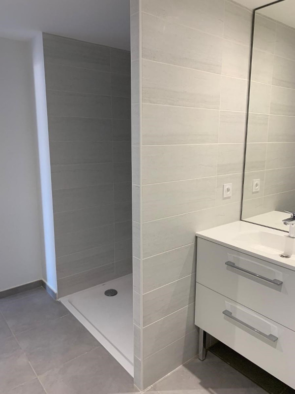 Location appartement Bron 560€ CC - Photo 5
